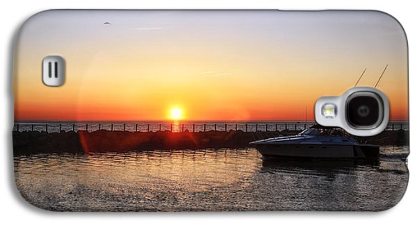 Boats In Water Galaxy S4 Cases - Heading Back Galaxy S4 Case by Mark Papke