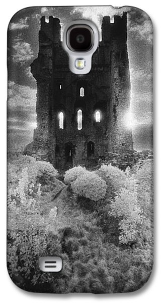 Dungeons Galaxy S4 Cases - Helmsley Castle Galaxy S4 Case by Simon Marsden