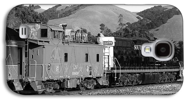 Old Caboose Galaxy S4 Cases - Historic Niles Trains in California . Southern Pacific Locomotive and Sante Fe Caboose.7D10843.bw Galaxy S4 Case by Wingsdomain Art and Photography