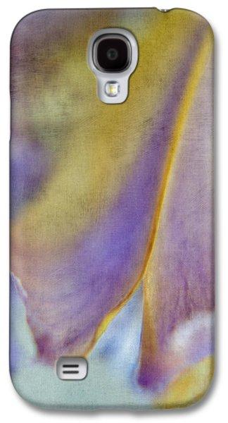 Garden Images Galaxy S4 Cases - Iris Study 4 Galaxy S4 Case by Bonnie Bruno