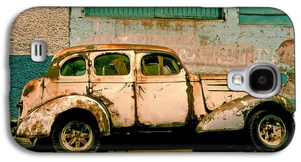 Transportation Photographs Galaxy S4 Cases - Jalopy Galaxy S4 Case by Skip Hunt