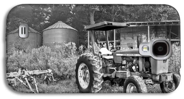 Old House Photographs Galaxy S4 Cases - John Deere in Black and White Galaxy S4 Case by Debra and Dave Vanderlaan