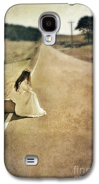 Old Roadway Galaxy S4 Cases - Lady in Gown Sitting by Road on Suitcase Galaxy S4 Case by Jill Battaglia