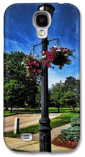 Landscape Photographs Galaxy S4 Cases - Lamp Post in the Park Galaxy S4 Case by Lourry Legarde