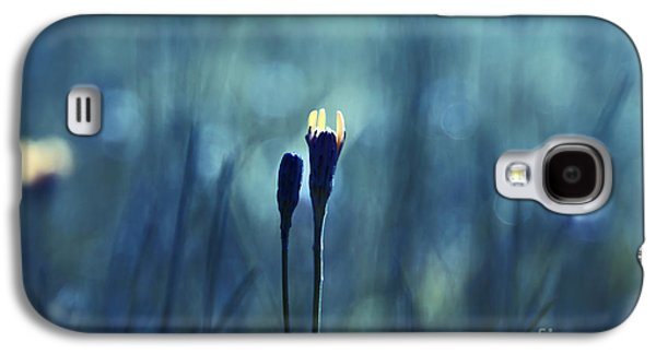 Impressionism Photographs Galaxy S4 Cases - Le Centre de l Attention - BLUE s0203d Galaxy S4 Case by Variance Collections