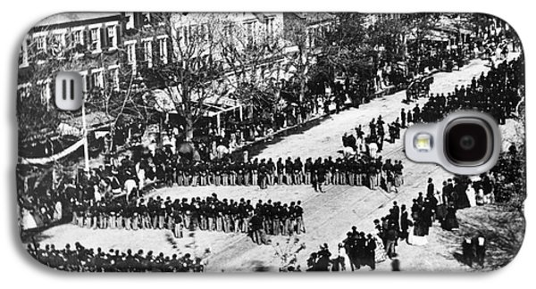 Abolition Galaxy S4 Cases - Lincolns Funeral Procession, 1865 Galaxy S4 Case by Photo Researchers, Inc.