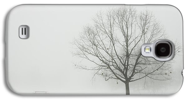 Trees In Snow Galaxy S4 Cases - Lone Tree In Winter Fog Galaxy S4 Case by Keith Webber Jr