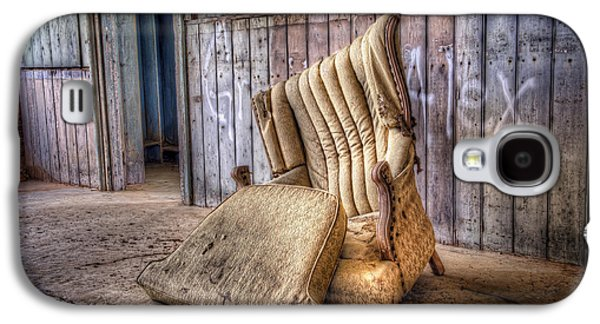 Hdr Photographs Galaxy S4 Cases - Lonely Chair Galaxy S4 Case by Scott Norris
