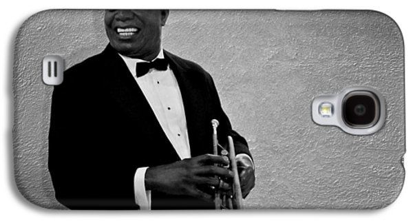 Music Photographs Galaxy S4 Cases - Louis Armstrong BW Galaxy S4 Case by David Dehner