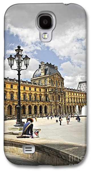 Visitor Galaxy S4 Cases - Louvre museum Galaxy S4 Case by Elena Elisseeva