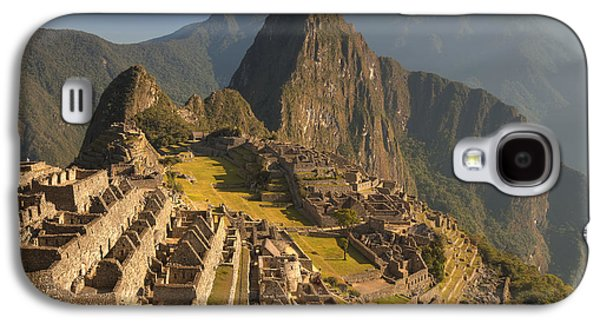 Mountain Photographs Galaxy S4 Cases - Machu Picchu At Dawn Near Cuzco Peru Galaxy S4 Case by Colin Monteath