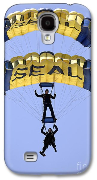 Flying Frog Galaxy S4 Cases - Members Of The U.s. Navy Parachute Galaxy S4 Case by Stocktrek Images