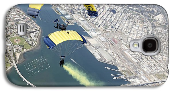 Flying Frog Galaxy S4 Cases - Members Of The U.s. Navy Parachute Team Galaxy S4 Case by Stocktrek Images
