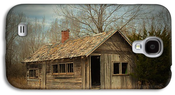 Old House Photographs Galaxy S4 Cases - Memories Are Made of This Galaxy S4 Case by Betty LaRue
