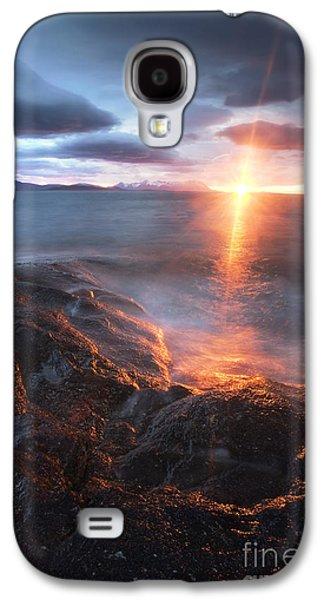 Sunset In Norway Galaxy S4 Cases - Midnight Sun Over VÃ¥gsfjorden Galaxy S4 Case by Arild Heitmann