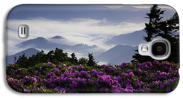 Misty Prints Galaxy S4 Cases - Morning on Grassy Ridge Bald Galaxy S4 Case by Rob Travis