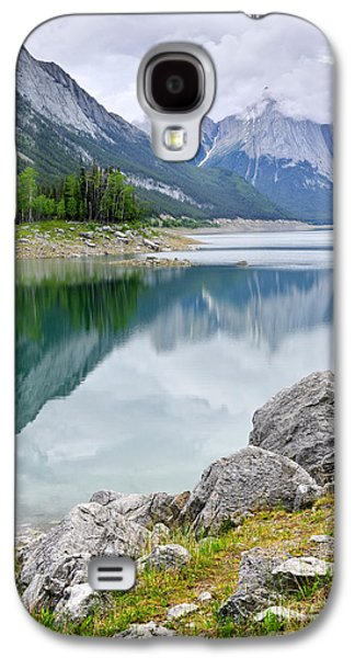 Medicine Photographs Galaxy S4 Cases - Mountain lake in Jasper National Park Galaxy S4 Case by Elena Elisseeva