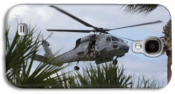 Fort Pierce Galaxy S4 Cases - Navy Seals Look Out The Helicopter Door Galaxy S4 Case by Michael Wood
