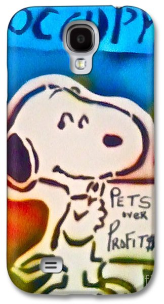 First Amendment Paintings Galaxy S4 Cases - Occupy Snoopy Galaxy S4 Case by Tony B Conscious