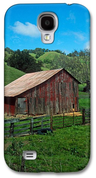 Building Framed Prints Galaxy S4 Cases - Old Red Barn Galaxy S4 Case by Kathy Yates