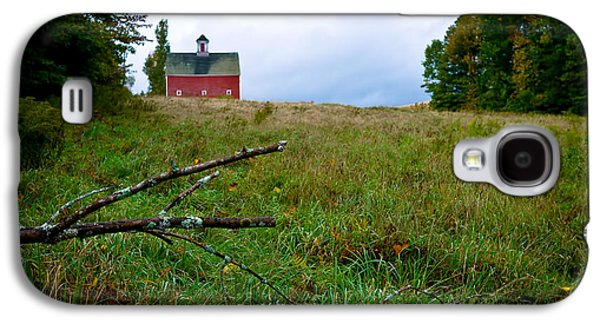 Creepy Galaxy S4 Cases - Old Red Barn on the Hill Galaxy S4 Case by Edward Fielding