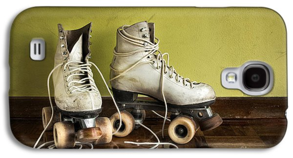 Exercise Photographs Galaxy S4 Cases - Old Roller-Skates Galaxy S4 Case by Carlos Caetano