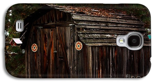 Weathervane Galaxy S4 Cases - Old Shed Oakhurst Galaxy S4 Case by Marjorie Imbeau