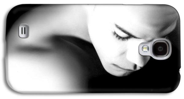 Contemplative Photographs Galaxy S4 Cases - Othello - A Haunting Sorrow Galaxy S4 Case by Jaeda DeWalt