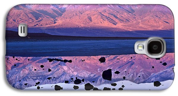 Mountain Valley Galaxy S4 Cases - Panamint Range Reflected In Standing Galaxy S4 Case by Tim Fitzharris