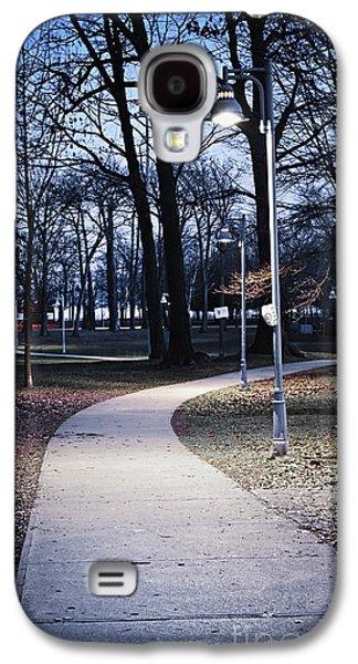 Streetlight Photographs Galaxy S4 Cases - Park path at dusk Galaxy S4 Case by Elena Elisseeva
