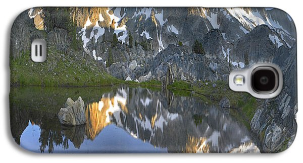 Mountain Photographs Galaxy S4 Cases - Reflections In Wasco Lake Twenty Lakes Galaxy S4 Case by Tim Fitzharris