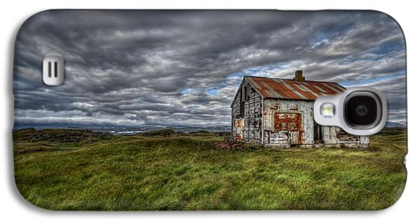 Abandoned House Photographs Galaxy S4 Cases - Rust In Peace Galaxy S4 Case by Evelina Kremsdorf