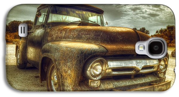 Truck Photographs Galaxy S4 Cases - Rusty Truck Galaxy S4 Case by Mal Bray