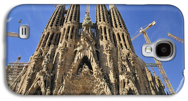 Spanien Galaxy S4 Cases - Sagrada Familia - impressive church from Gaudi in Barcelona Galaxy S4 Case by Matthias Hauser