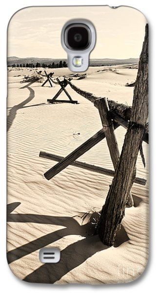 Old Fence Posts Galaxy S4 Cases - Sand and Fences Galaxy S4 Case by Heather Applegate
