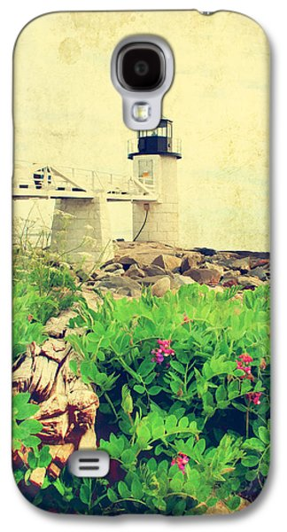 Old Maine Houses Galaxy S4 Cases - Sea Side Galaxy S4 Case by Darren Fisher