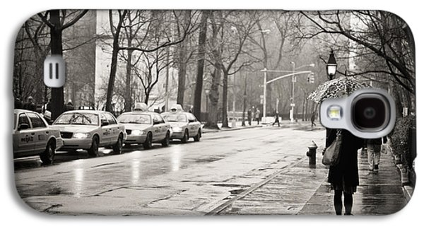 Nyc Rain Galaxy S4 Cases - Streets Slick With Promise - Greenwich Village Galaxy S4 Case by Vivienne Gucwa