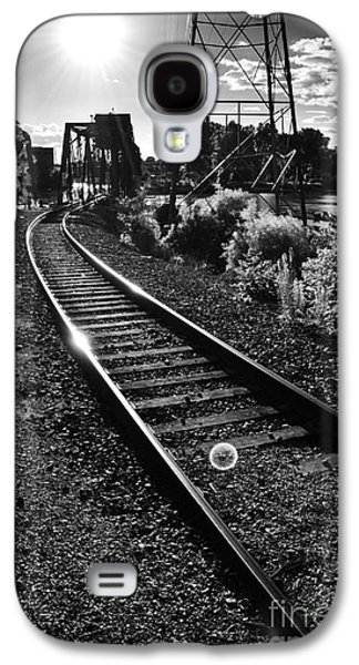 Appleton Photographs Galaxy S4 Cases - Sundown Gleaming Off The Rails Galaxy S4 Case by Shutter Happens Photography