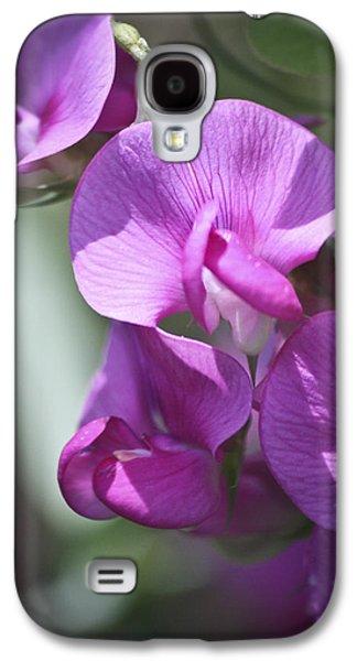 Tendrils Galaxy S4 Cases - Sweet Peas Galaxy S4 Case by Teresa Mucha