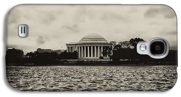 Tidal Photographs Galaxy S4 Cases - The Jefferson Memorial Galaxy S4 Case by Bill Cannon