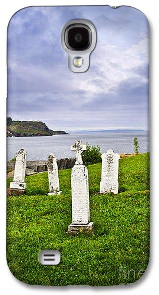 Graveyard Galaxy S4 Cases - Tombstones near Atlantic coast in Newfoundland Galaxy S4 Case by Elena Elisseeva