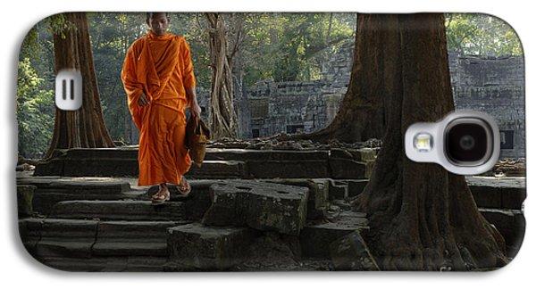Buddhist Monk Galaxy S4 Cases - Buddhist Monk Cambodia Galaxy S4 Case by Bob Christopher