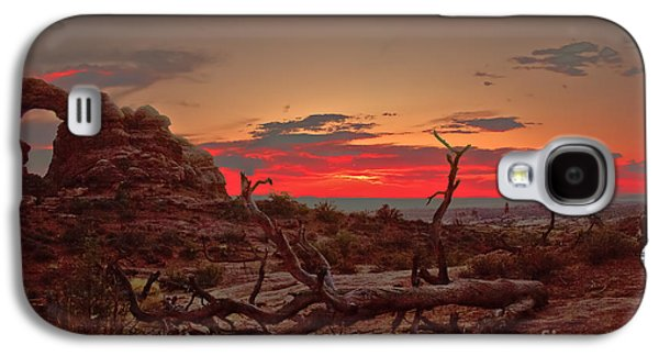 Haybale Galaxy S4 Cases - Turret Arch Sunset Galaxy S4 Case by Robert Bales