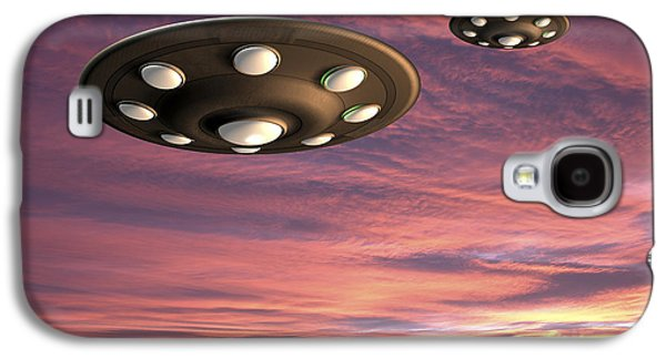 Science Fiction Drawings Galaxy S4 Cases - UFO Landing Galaxy S4 Case by Friedrich Saurer and Photo Researchers