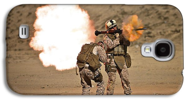 Rpg Galaxy S4 Cases - U.s. Marine Fires A Rpg-7 Grenade Galaxy S4 Case by Terry Moore