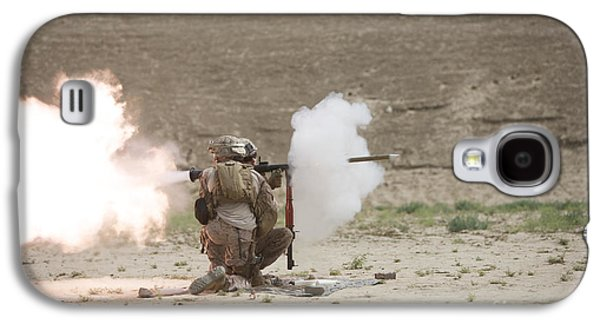 Rpg Galaxy S4 Cases - U.s. Marines Fire A Rpg-7 Grenade Galaxy S4 Case by Terry Moore