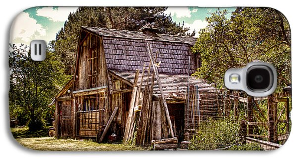 Outbuildings Galaxy S4 Cases - Vics Old Barn Galaxy S4 Case by David Patterson