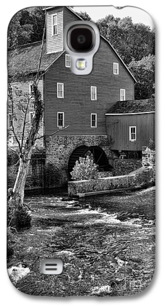 Old Mill Scenes Photographs Galaxy S4 Cases - Vintage Mill in Black and White Galaxy S4 Case by Paul Ward