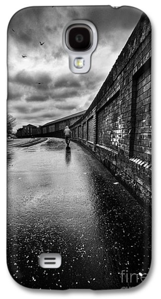 Rainy Day Photographs Galaxy S4 Cases - What do i know Galaxy S4 Case by John Farnan