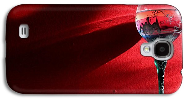Vino Photographs Galaxy S4 Cases - Wine Rays Galaxy S4 Case by Lauri Novak